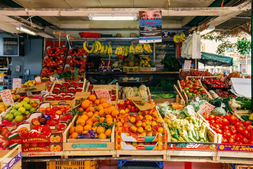 ortofrutta al mercato vespri siciliani - roma